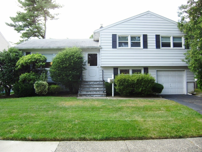 Just Sold in Bloomfield