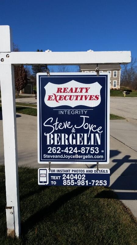 Steve & Joyce Sign