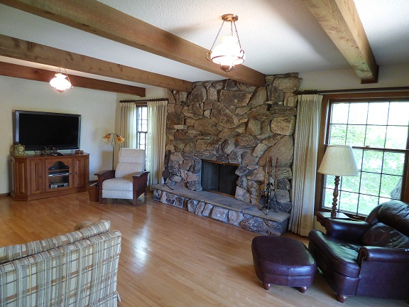 Family Room w Fireplace off Kitchen