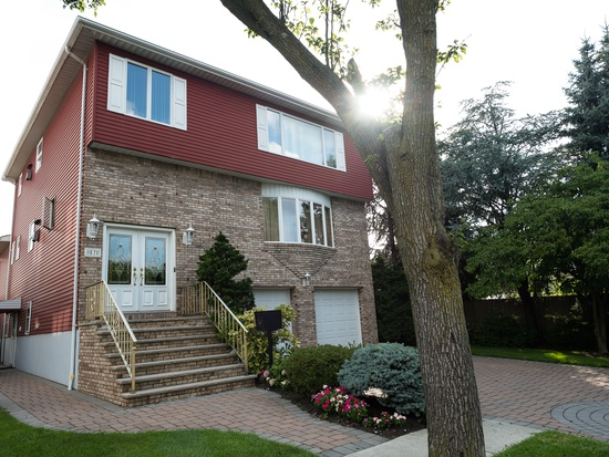 57 Riverview Rd in North Arlington New Jersey